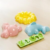 YL022 Hot Sale Cartoon rice ball Dolphin four piece suit puree food molds