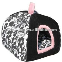 UW-NPB-013 2012 newest and popular black and white tent for pet/pet tent for dogs and cats, made of canvas