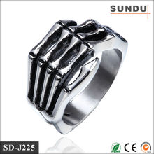 Factory direct sale crazy 304 316L stainless steel male skull finger hands vintage ring
