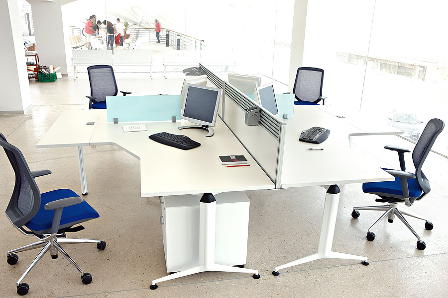 4 persona cruz escritorio de trabajo partici n muebles for Muebles de oficina puestos de trabajo