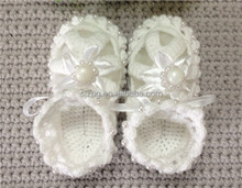 Wholesale white pearl hand knitted baby shoes baby crocheted sandal