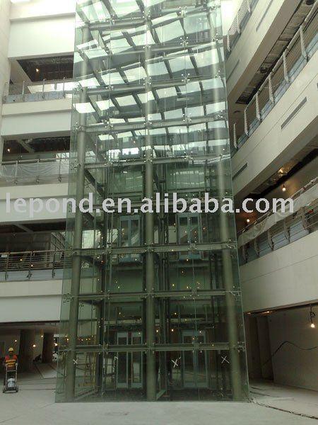 verre fabricant d 39 ascenseurs 4 c t verre panoramique. Black Bedroom Furniture Sets. Home Design Ideas