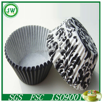 Black color Damask designs greaseproof cupcake cups ,hotselling cupcake cups /manufacturer of paper cake cups from China