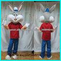 traje de la mascota del conejo