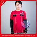 china proveedor de encargo de la mujer t camisa con insignia del bordado y charretera