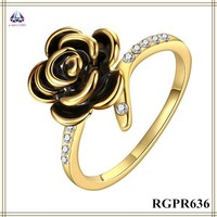 Fashion Modeling Flower Ring With Black Opal