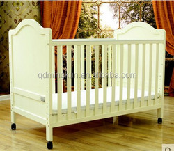 pine wooden baby bed baby crib from China factory direct supply