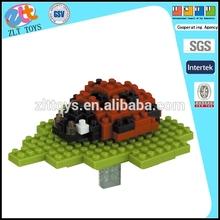 Precioso mariquita manchas de bloque de construcción de juguete, modelo animal de juguete de plástico bloque en71