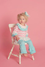 2014Hot Sale!Lovely Cotton Baby Girl's Clothes Chevron Outfits For Little Girls Baby Outfits With Ruffles Children's Clothing