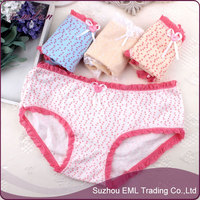 2015 Little girl in underwear in bulk/lacework underwear