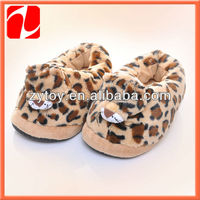 Cheap promotional anti-slip warm bedroom shoes Men winter shoes in ShenZhen