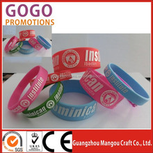 Popular Debossed Silicone Bangle for Teenager at school