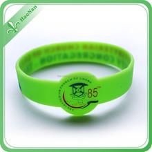 China New Design Popular thin silicone bracelet