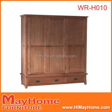 solid wood chunky oak triple wardrobe with 2 drawers