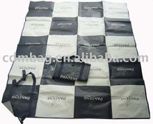 pp woven beach mat with 2 webbing fabric straps closure