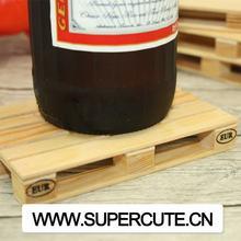 mini plataforma personalizada a granel de la placa de madera taza de bebida montaña