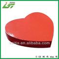 caja de bombones con forma de corazón