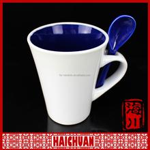 HCC ceramic snowman shape coffee mug with artistic design for promotion