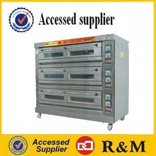 Industrial cake baking machines with steamer for each layer