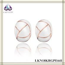 Luz blanca pendientes frescas forma del huevo de estaño blanco de la aleación pendientes barrocos para mujeres