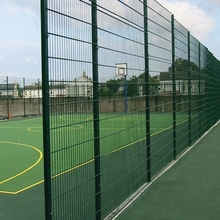 Welded wire mesh for fence material