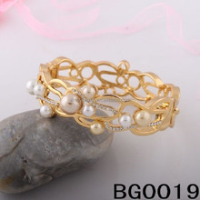 Fashion Design Gold Plated Bangles with Pearl/Women Jewelry Bracelets