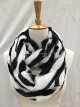 2015 Hip Design Knit Rabbit Fur Neckerchief Two Effects Ladies Fur Tippet/cape Real Rabbit Fur Scarf