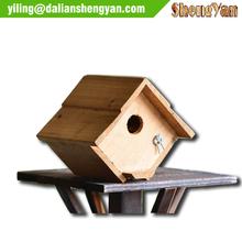 Hermoso y útil de madera birdhouse, jaula de pájaro