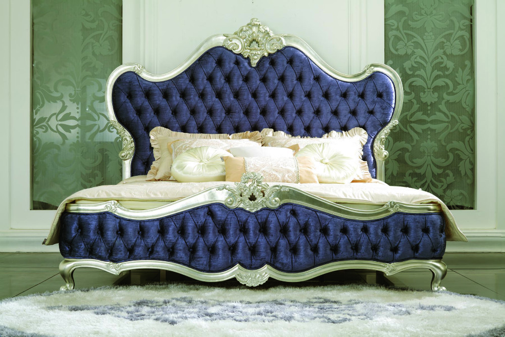 Italian reproduction blue velvet silver frame king size for Bedroom ideas velvet bed