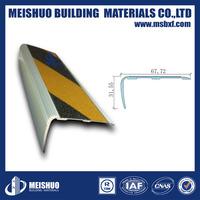 Non-Skid Carpet Stair Treads/Self Adhesive Stair Nosing for Waterproof Industry