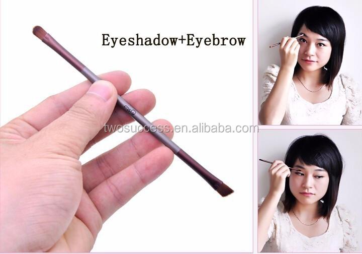 eyeshadow and eyebrow brush