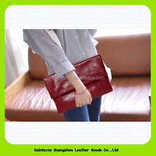 15380 Retro and large capacity clutch leather purse ladies
