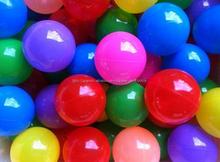 los niños 70mm pelotas de plástico para la piscina de bolas para jugar