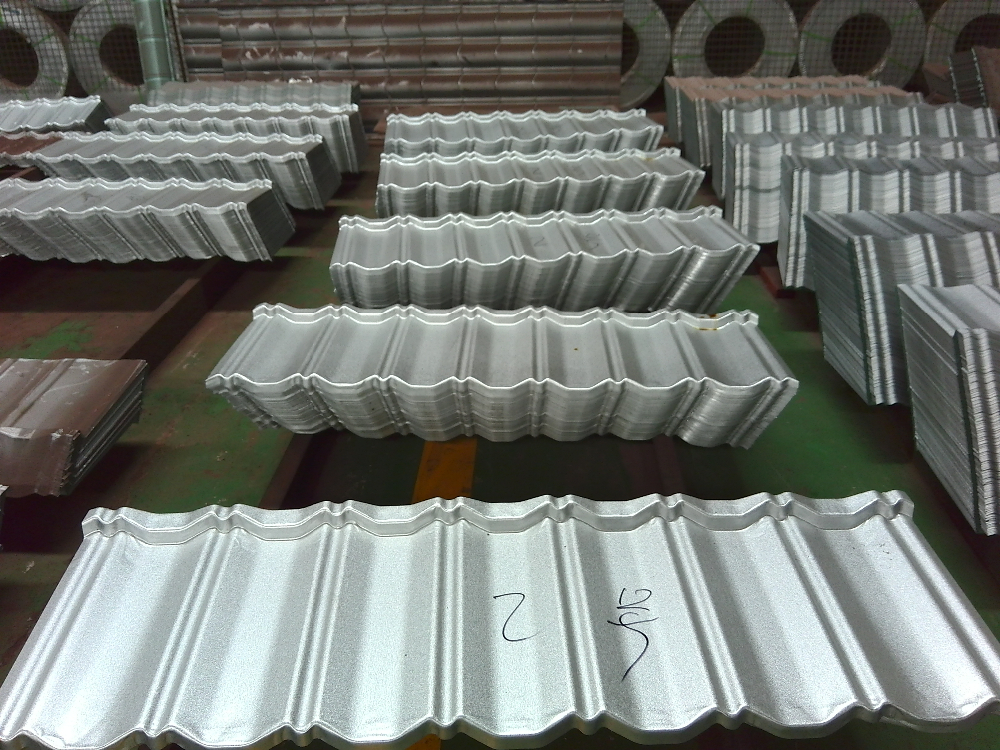 Popular cheap building material coated steel roof panels for Cheap construction materials