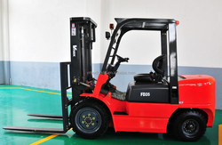 3 ton diesel forklift with ISUZU engine, max lift height 4.5 meters, hydraulic transmission