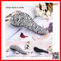 Alibaba Easy use Decorative pattern fancy magic tangle detangling hair brush