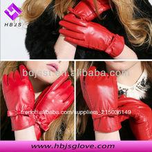 femmes mode robe rouge gants en cuir de peau de porc
