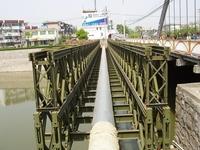 galvanized bailey pipe bridge