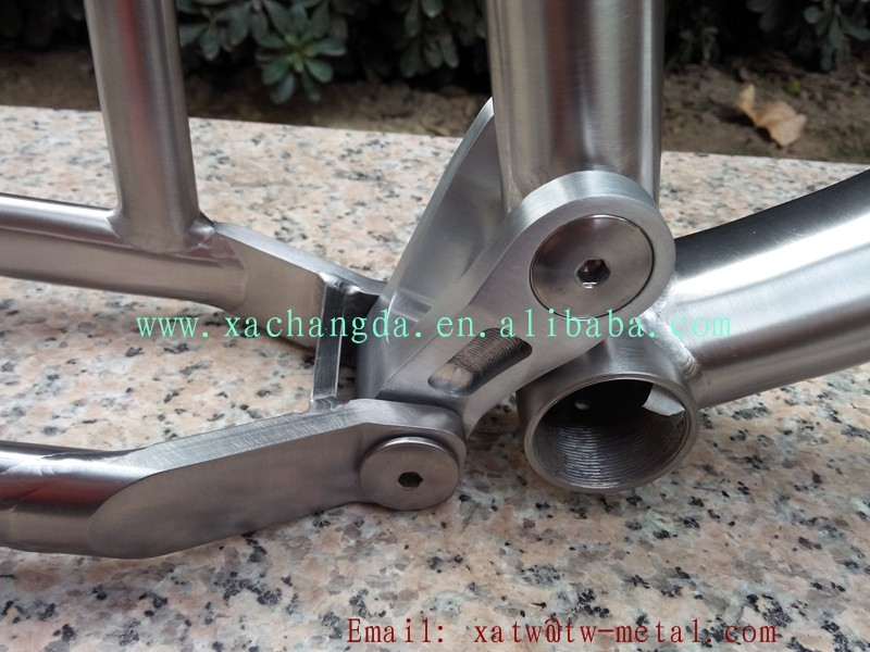 Titanium suspension bike frame41.jpg