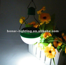 2015 Hot sales plastic white color garden lights Solar hand lantern