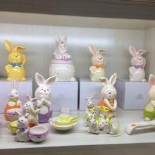 Haonai hot sale hand painting ceramic animal gift for Christmas