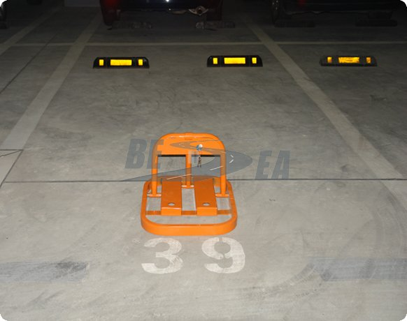 Black/Yellow Recycled Rubber Single Side Car Parking Stopper(DH-225)