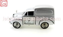 Sharp zinc alloy Van shaped creative clock
