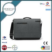 2014 Ultra-Padded Messenger Bag for 15.4-Inch Laptops and Ultrabooks