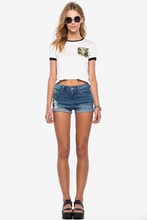 women white crop top with camo pocket