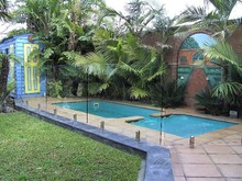 Tempered glass pool fence