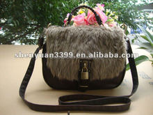 Fantastic and classic customized chhic women messenger bag with lock