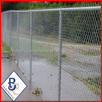 powder coated chain link fence with round post