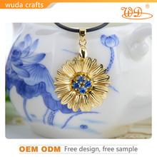 .9999 pure gold plated diamond sunflower pendant