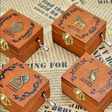 Caixa de música de madeira do natal